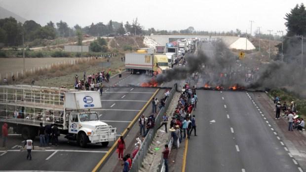 Muertos y heridos en enfrentamiento en Puebla