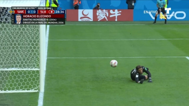 [World Cup 2018 PUBLISHED] Yann Sommer impide gol tras remate de Marcus Berg