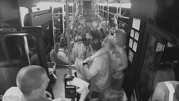 [TLMD - LV] Autobuses de pasajeros se usan como ambulancias