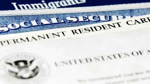 [TLMD - MIA] Retrasos en trámites migratorios: expertos explican qué pasa