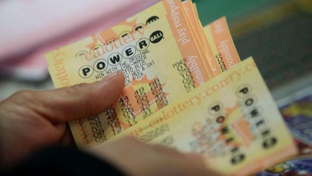 Tips para ganar la lotería según un 7 veces ganador