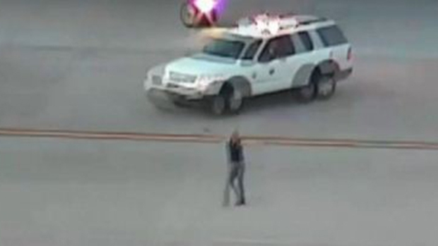 Video: Lo arrestan ebrio en pista de aterrizaje