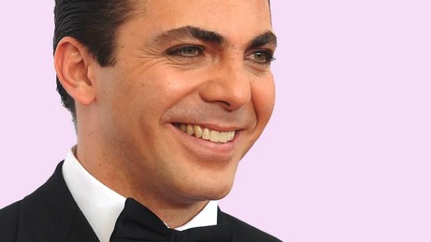 Video: Cristian Castro enfrenta rumor gay