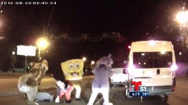 Video: Bob Esponja, a puñetes con conductor
