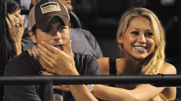 Video: Kournikova cansada de esperar a Enrique