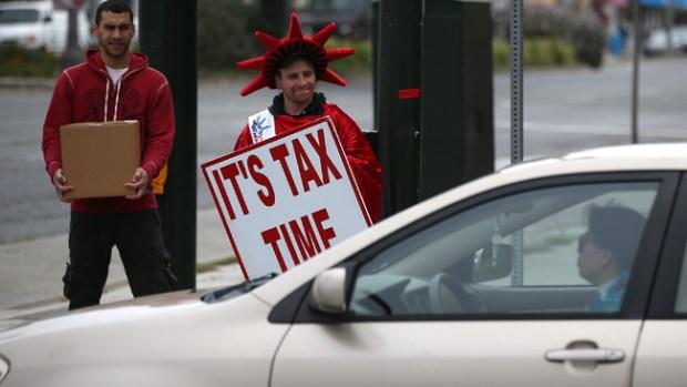 Video: Vence el plazo para pagar impuestos