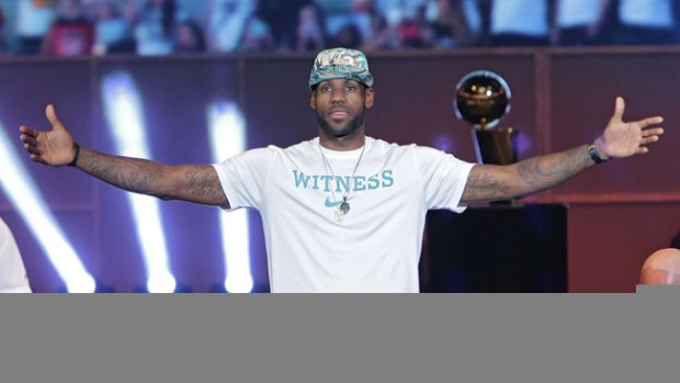 Video: Lebron James, ¿trato preferencial?