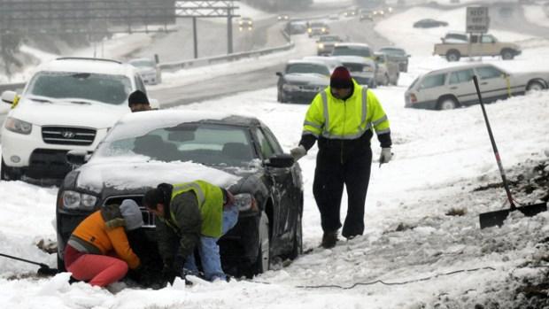 Video: Muerte y caos por tormenta que congela