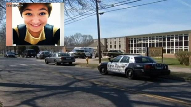 Video: Joven muere acuchillada en su escuela