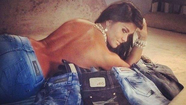 Video: Maripily desata locura en jeans pegados