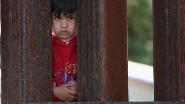 """Video: """"Niños migrantes traerían piojos y sarna"""""""