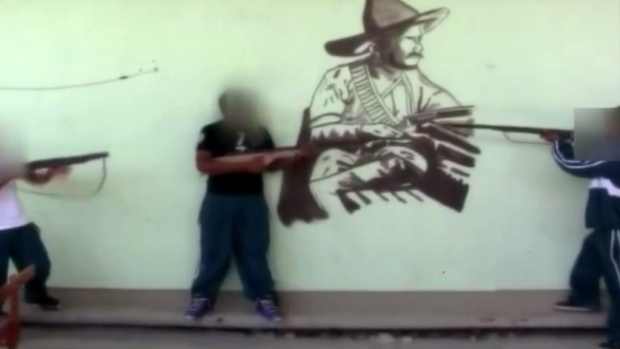 Video: Padres rescatan a hijos de la guerrilla