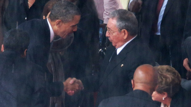 Video: Obama y Raúl Castro se dan la mano