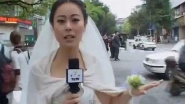 Video: Reporta el terremoto vestida de novia