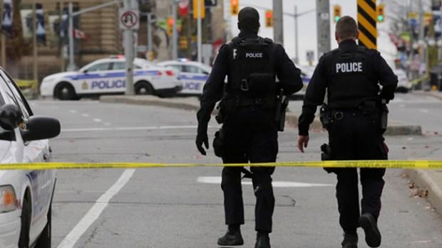 Video: Canadá: Mueren soldado y atacante