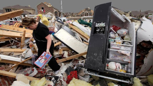 Video: Seis, los muertos por tornados