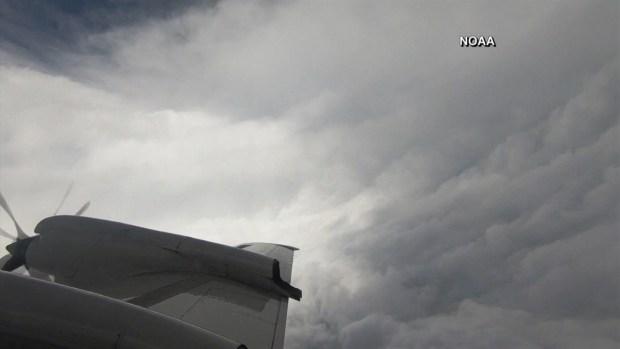 [TLMD - LV] Avión cazatormentas se mete en el huracán Florence