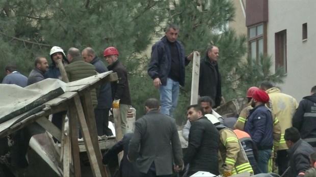 [TLMD - LV] Momento en que se derrumba un edificio en Turquía