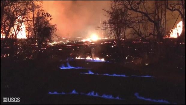 [TLMD - MIA] Volcán de Hawái genera llamas azules