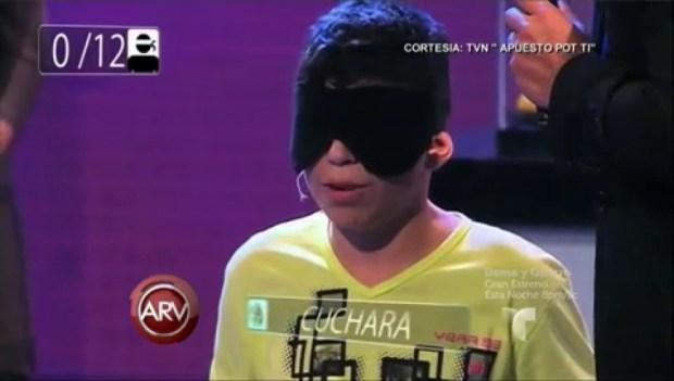 """Video: José, el niño que """"ve"""" con su mano"""