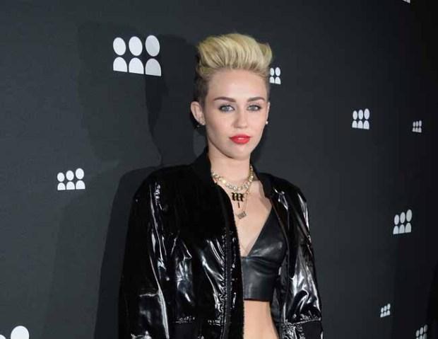 """Video: El nuevo """"bombazo"""" de Miley Cyrus"""