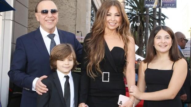 ¡Grandes y hermosos! Thalía y Tommy Mottola llevan a sus hijos a evento en Hollywood