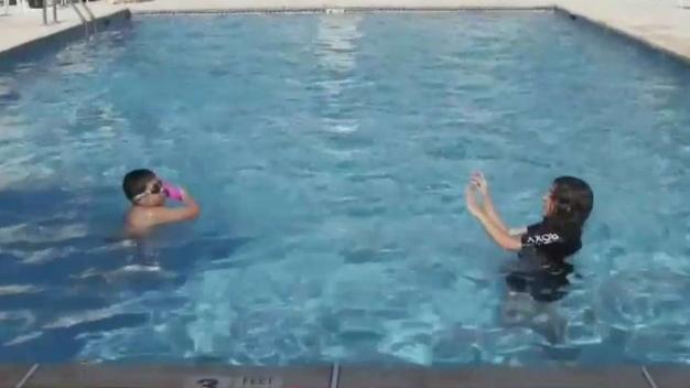 Advierten sobre peligrosas bacterias en las piscinas