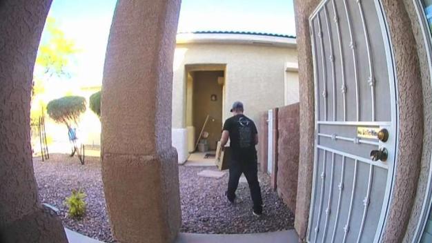 Policía: robo de paquetes aumenta durante el verano