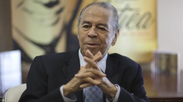 Fallece el legendario bolerista Lucho Gatica