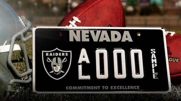 Nueva placa de Raiders para vehículos en Nevada