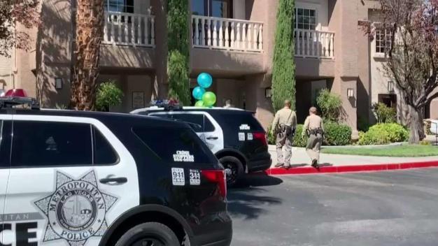 Hombre muere a balazos fuera de su hogar en Las Vegas