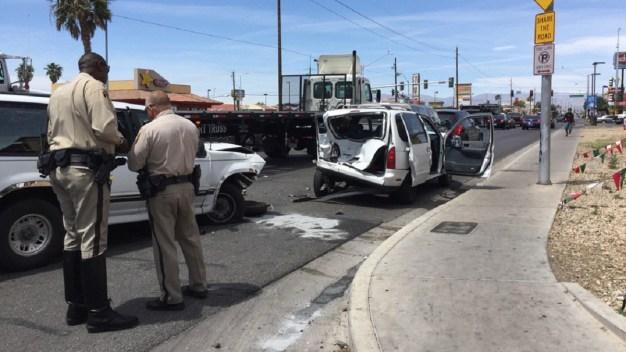 Choque múltiple deja varios heridos al este de Las Vegas