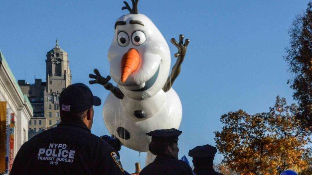 Tras ataques, celebran Día de Gracias con más seguridad