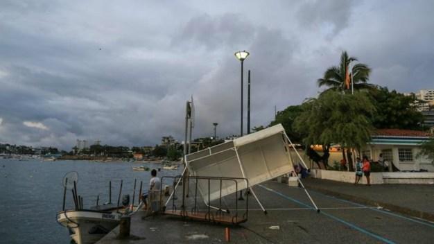 Tormenta Carlotta deja 4 lesionados e inundaciones