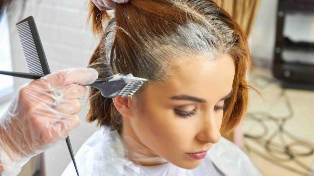 El peligro de teñirse el pelo que puede llevar a la muerte