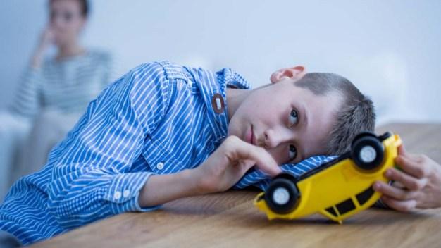 ¿Asocial y callado? Un trastorno en los niños que no se detecta fácil