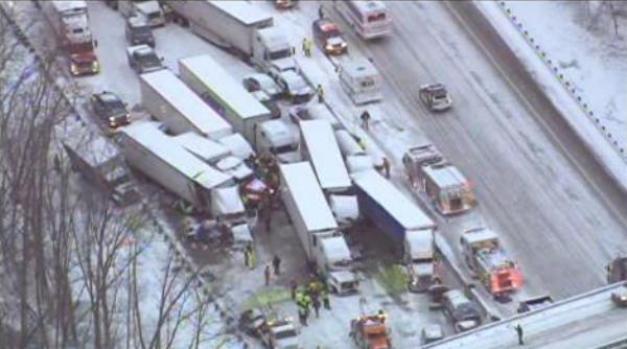 Video: 3 muertos en choque múltiple en Indiana