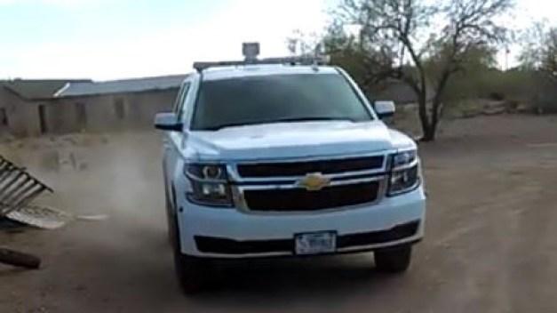 Patrulla Fronteriza atropella a persona que grababa video