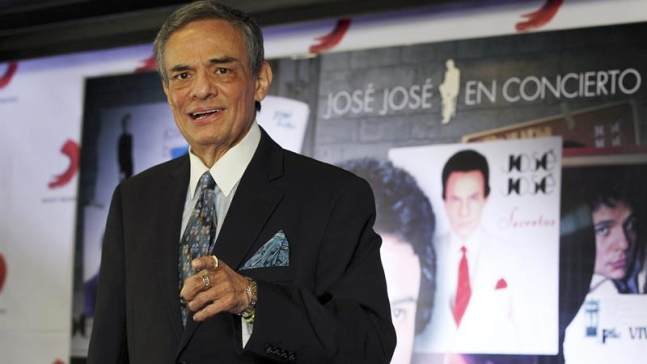 """José José reacciona a rumores de que está """"secuestrado"""""""