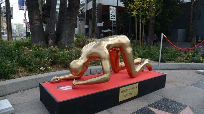 """Colocan """"Óscar"""" inhalando cocaína en Hollywood"""