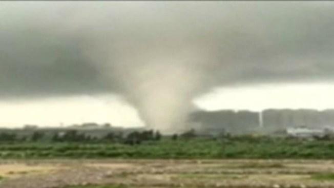Video: Muertos y heridos por tifón en China