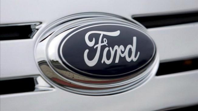 Por riesgo de incendio Ford revisará 451,000 autos