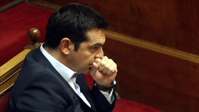 Primer ministro griego convoca a referendo