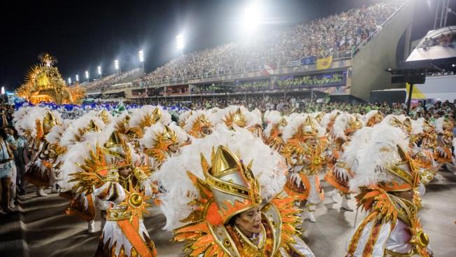 Balazo empaña desfile en el sambódromo de Río