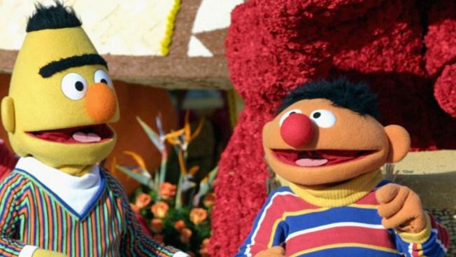 Polémica por orientación sexual de dos famosos muñecos