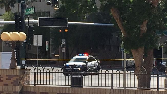 Movimiento policial causa cierre en centro de la ciudad