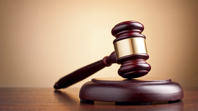 Sin derecho a fianza autista acusado de apuñalar a su madre