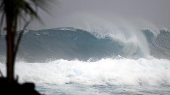 El huracán Lane se fortalece a categoría 5
