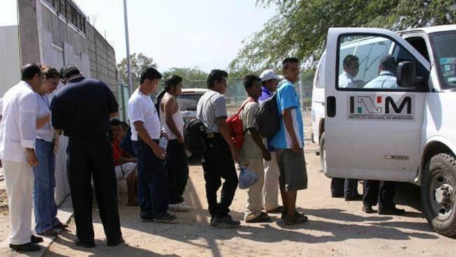 Localizan a 101 migrantes hacinados en Oaxaca