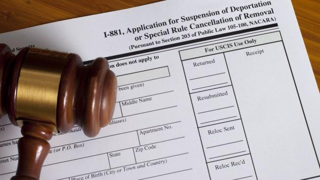 Juez rechaza reclamo de madres para frenar deportaciones